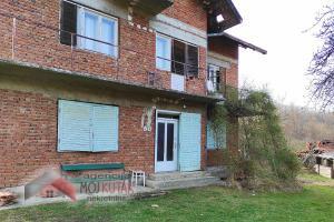 Kuća, 1km od izvora Snežnik