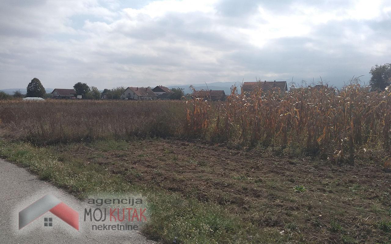Na prodaju plac - Novo Selo