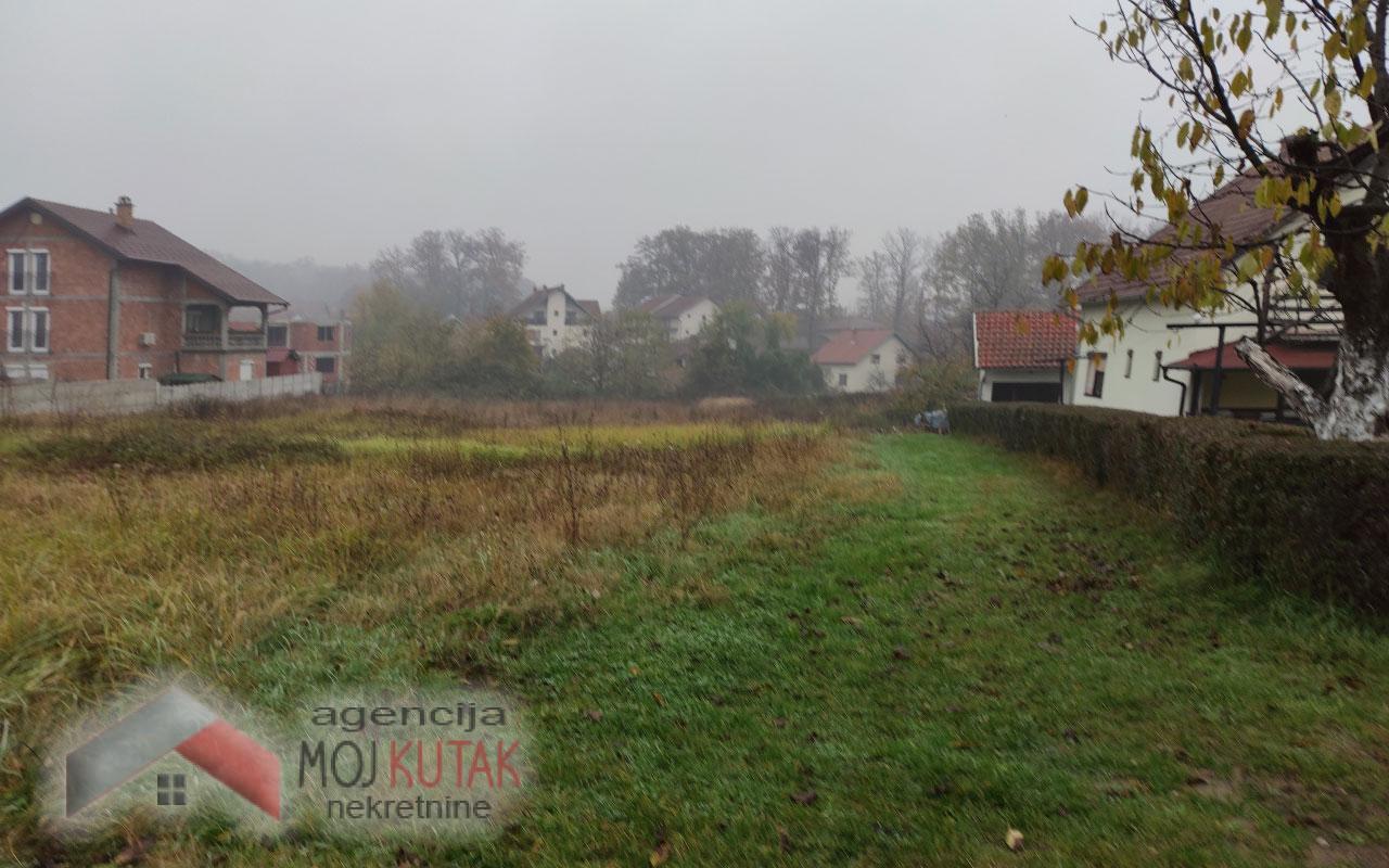 Plac, naselje Raj